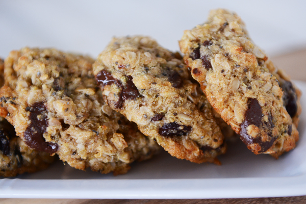 http://www.melskitchencafe.com/wp-content/uploads/quinoa-choc-chip-cookies2.jpg